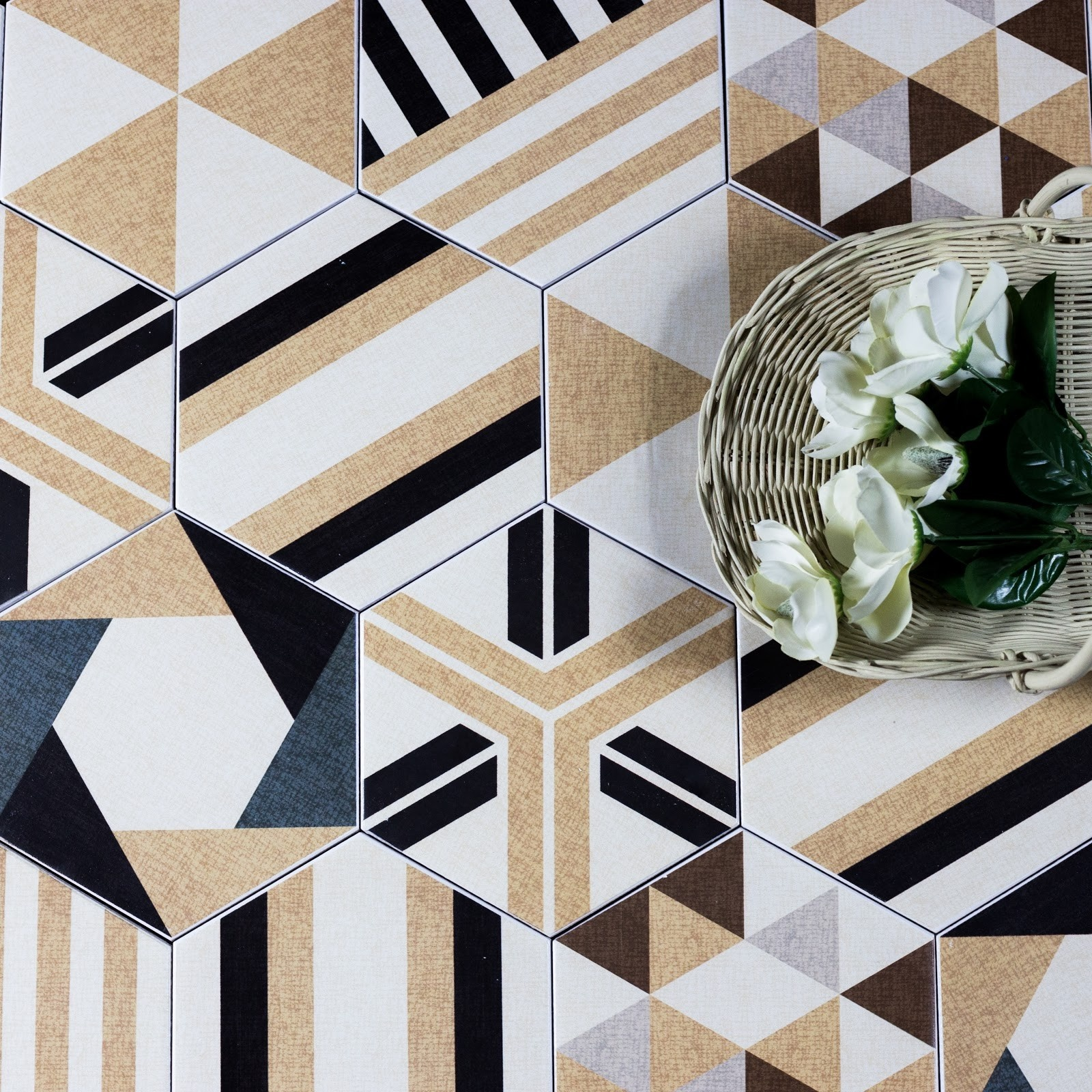 Fabrica 8 X 8 Ceramic Hexagon Beige Delight